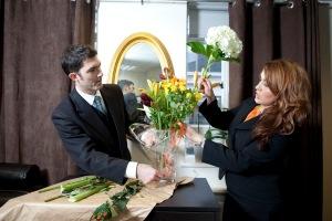 Sara Vestin Rahmani-flower arranging with Butler expert